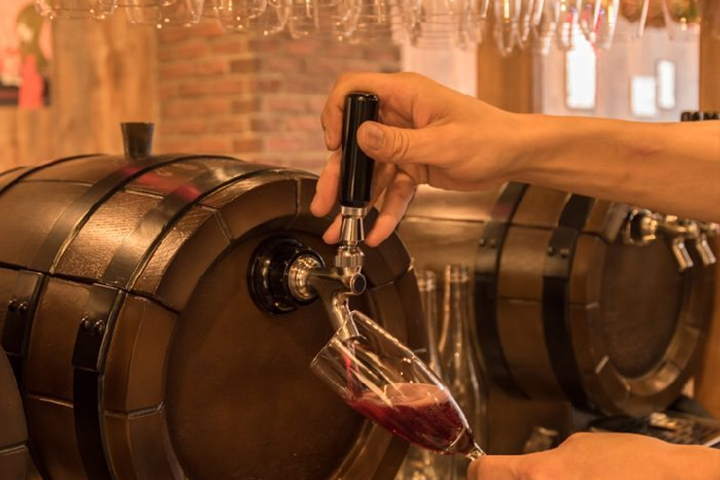 イタリア直送の生樽ワイン