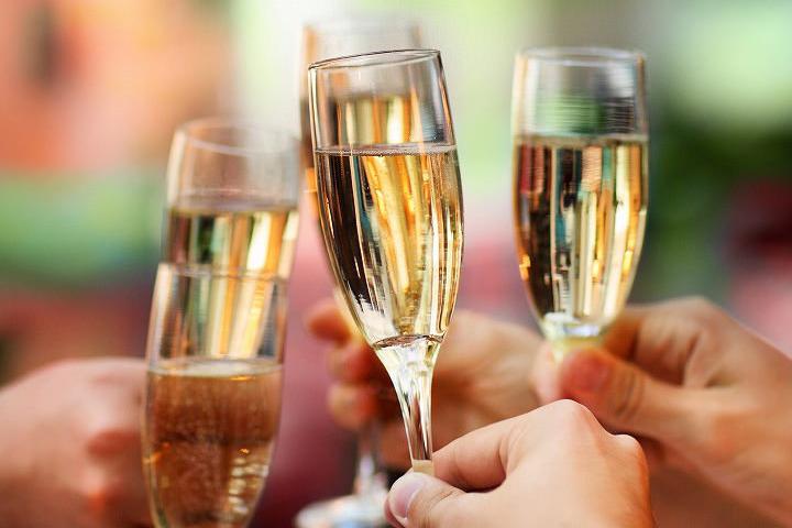 スパークリングワインの種類豊富