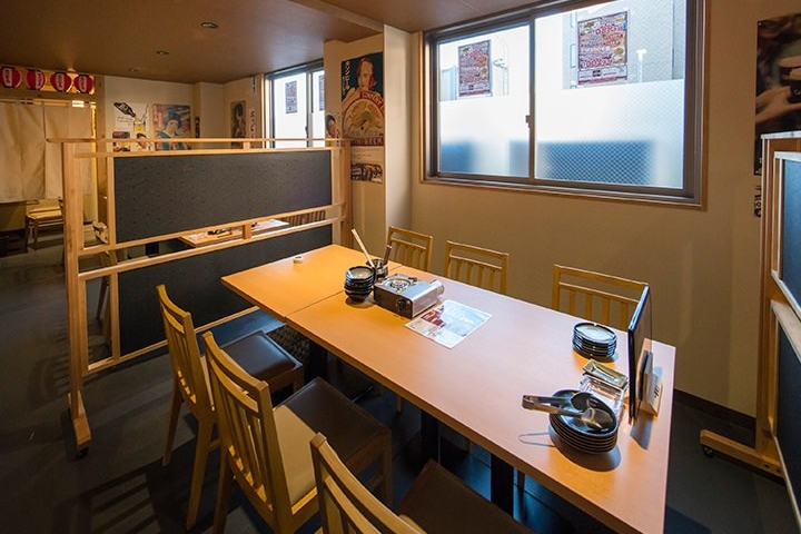 テーブル半個室(仕切りあり)